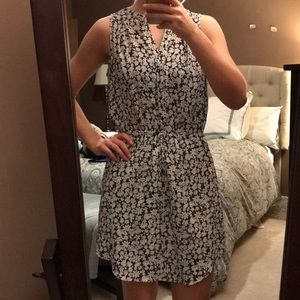 Navy white tie-waist floral crepe dress-like new!